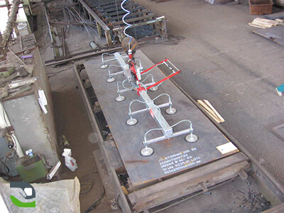 Suction cup lifting device - Lifting equipment for panel handling