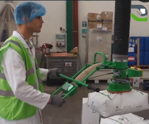 Bag handling assistance solution in the food industry
