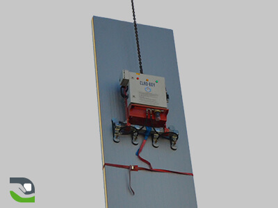 Vacuum lifter for panel handling, cladding, roofing, sandwich panels