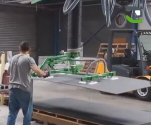 Handling panels for sawing