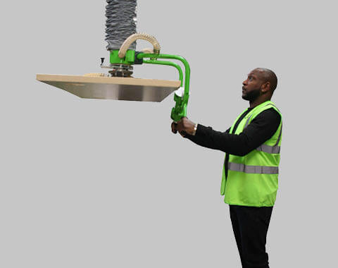 MASTER Plus Articulated Arm option - Handling of heavy loads at a height